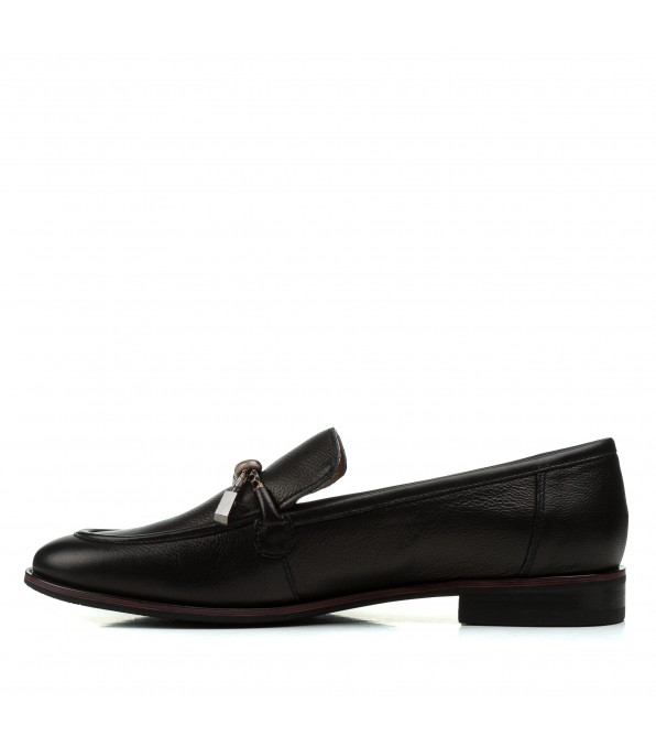 Туфлі жіночі шкіряні чорні на низькому каблуку