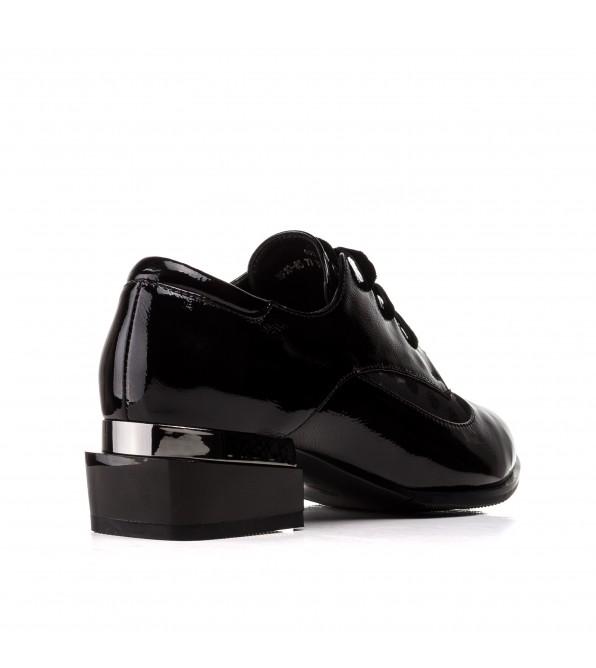 Туфлі жіночі шкіряні на шнурівці SUFINNA