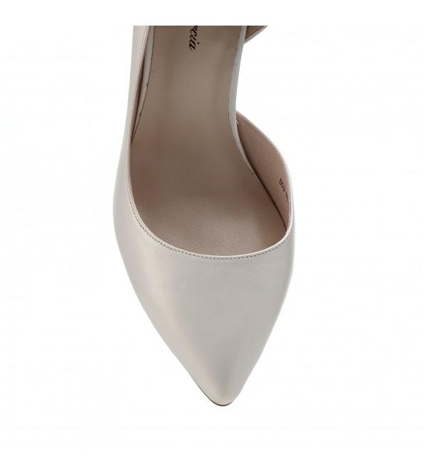 Туфлі лодочки жіночі шкіряні молочні на шпильці Lady Marcia