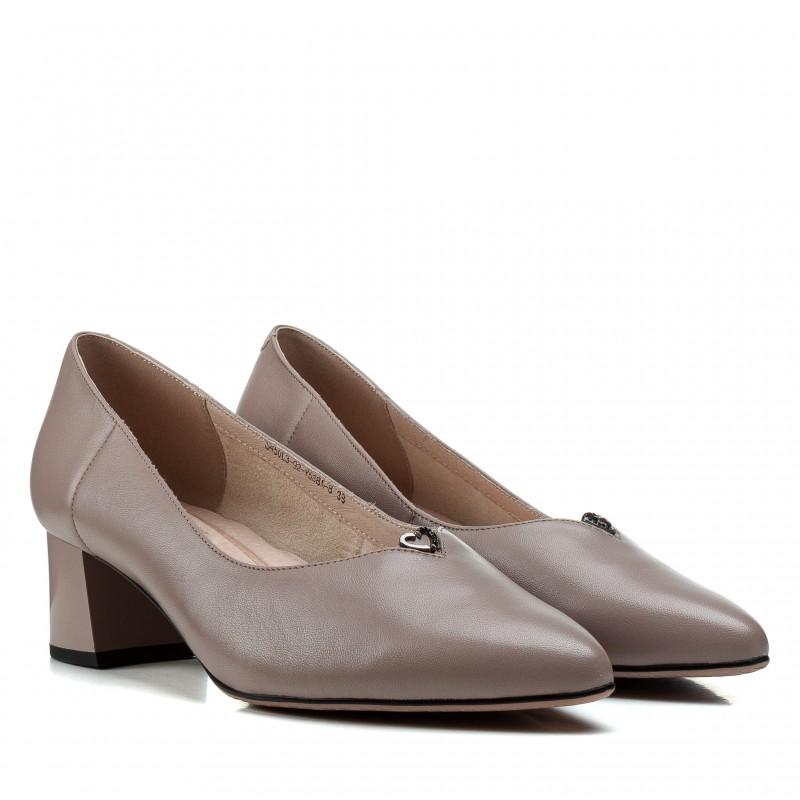 Туфлі жіночі шкіряні бежеві на товстому каблуку