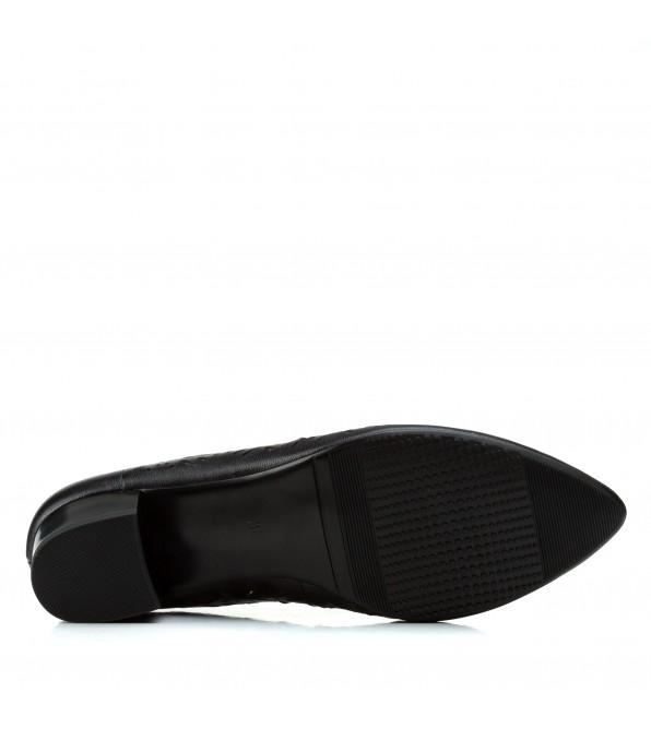 Туфлі жіночі шкіряні чорні на низькому товстому каблуку  Lady Marcia