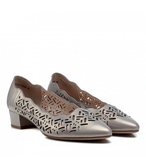 Туфлі жіночі шкіряні сірі на низькому каблуку  Lady marcia
