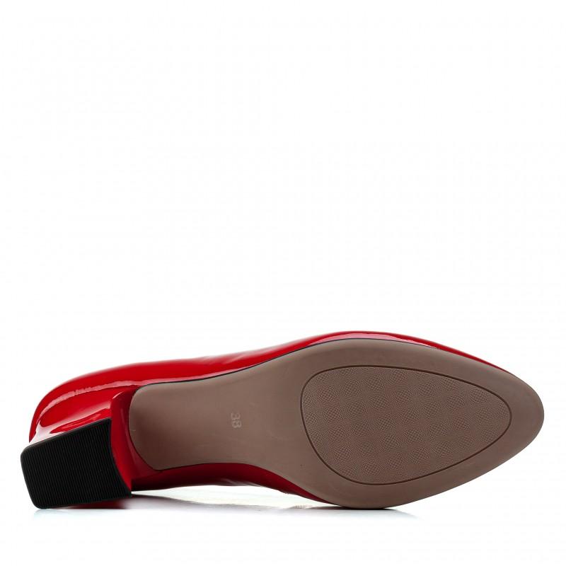 Туфлі жіночі шкіряні лакові червоні на зручному каблуку