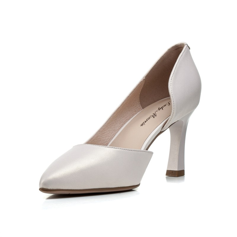 Туфлі жіночі шкіряні білі на зручному каблуку Lady marcia