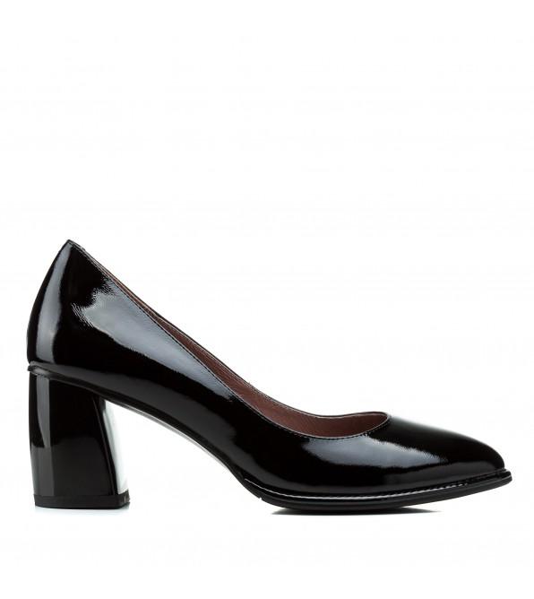 Туфлі жіночі шкіряні лакові чорні на стійкому каблуку