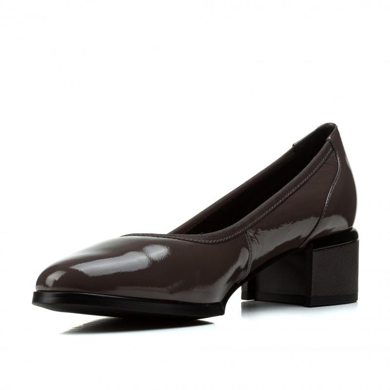 Туфлі жіночі шкіряні лаковані сірі  на товстому каблуку