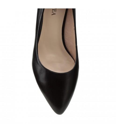 Туфлі-човники жіночі шкіряні чорні на стійкому каблуку  Geronea