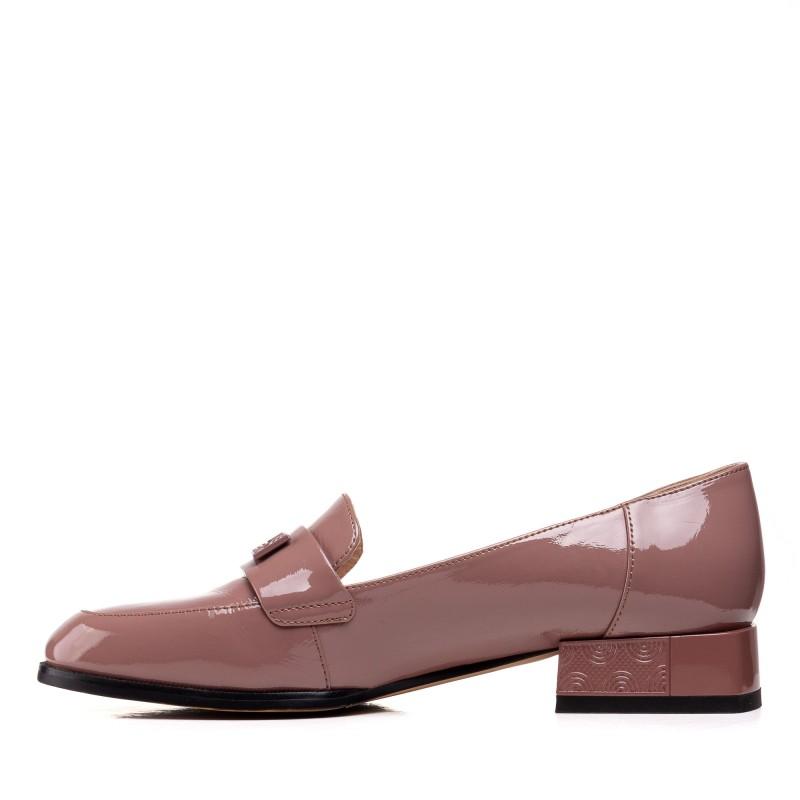Туфлі  шкіряні лаковані на низькому каблуку Geronea