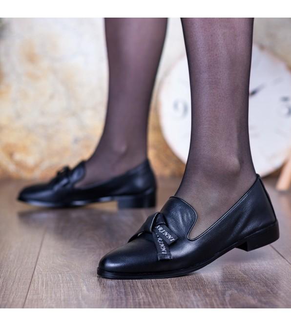 Туфлі жіночі шкіряні чорні на зручному низькому каблуку