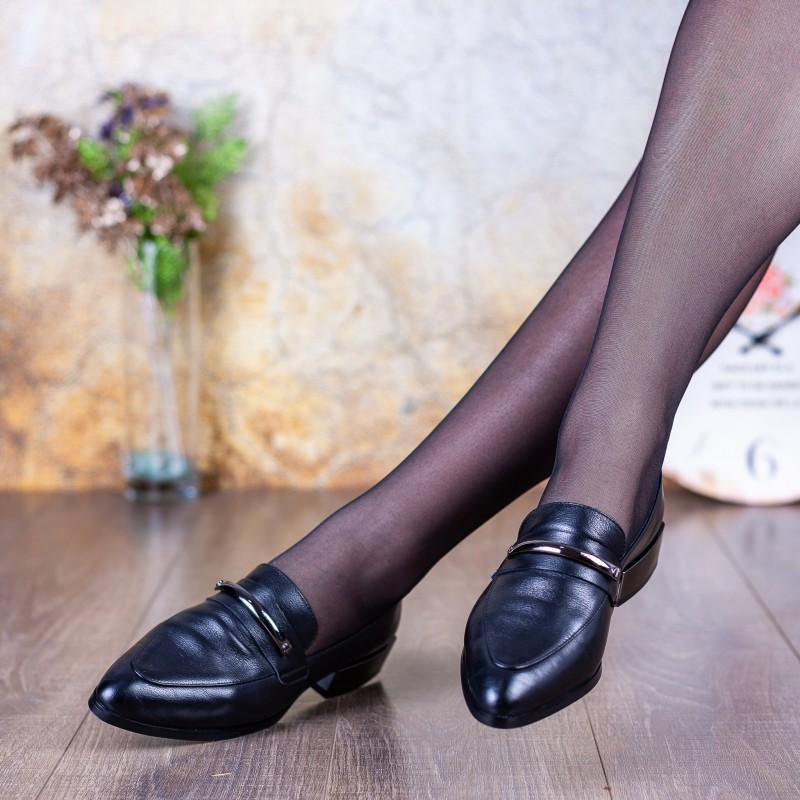 Туфлі жіночі шкіряні чорні на зручному каблуку Farinni