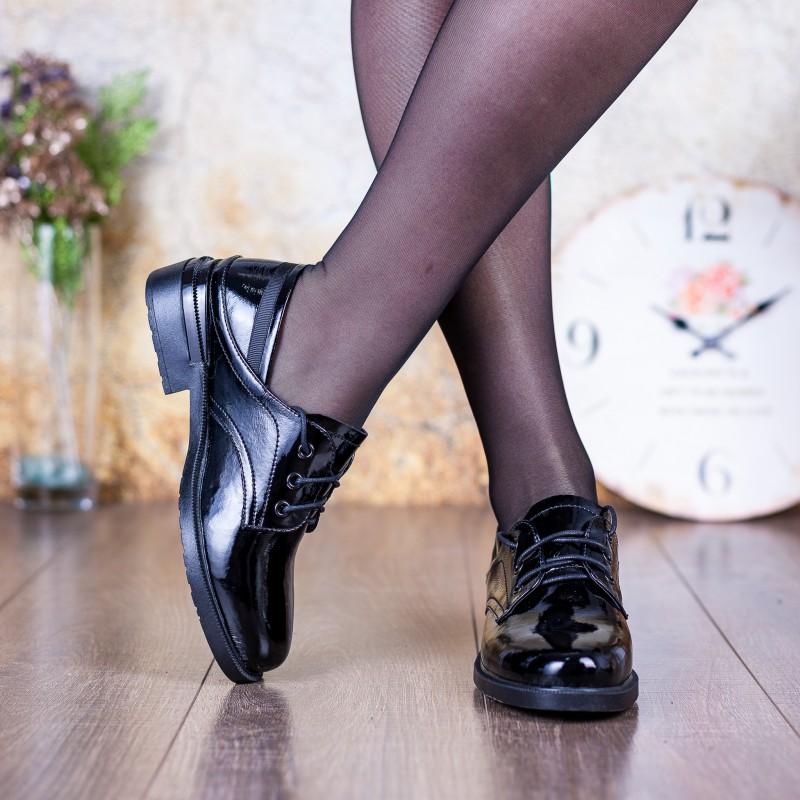 Туфлі жіночі шкіряні лакові  чорні на низькому ходу Farinni