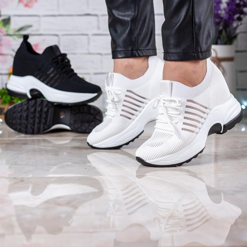 Кросівки жіночі білі  на високій платформі Vikonty