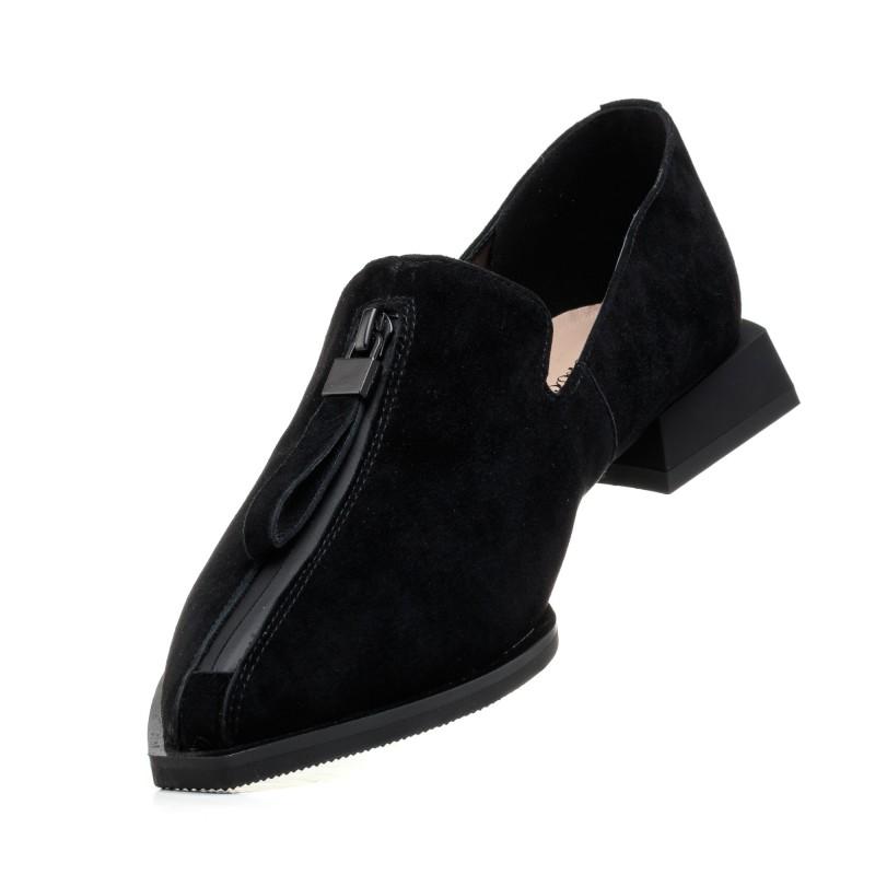 Туфлі лофери жіночі замшеві чорні з гострим носком Brocoli