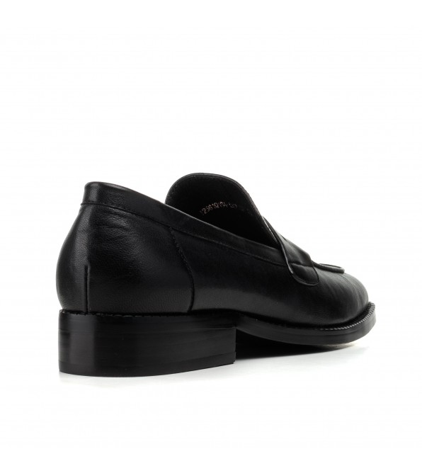 Туфлі-лофери жіночі шкіряні Geronea