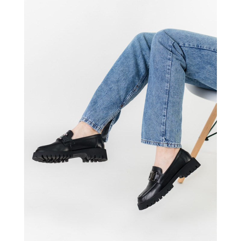 Туфлі-лофери жіночі шкіряні на низькому ходу Melanda