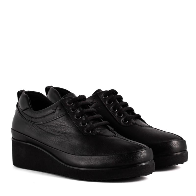 Туфлі жіночі шкіряні чорні на танкетці Ripka