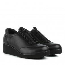 Туфлі жіночі шкіряні чорні на танкетці