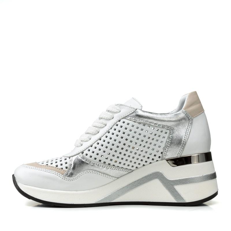 Кросівки жіночі шкіряні білі літні на танкетці Alpino