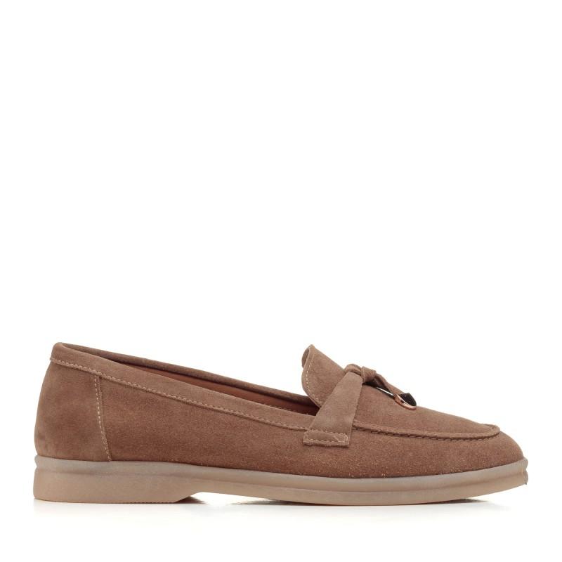 Туфлі лофери жіночі бежеві замшеві Corsovito