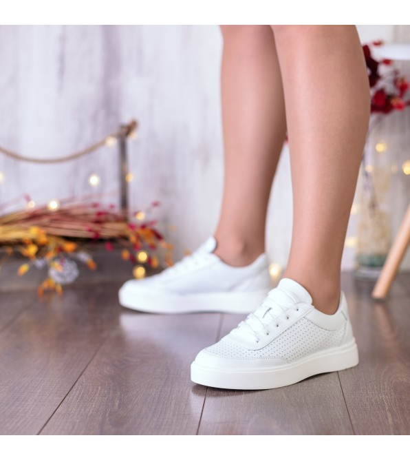 Кеди шкіряні білі в дірочки на шнурівках на товстій підошві