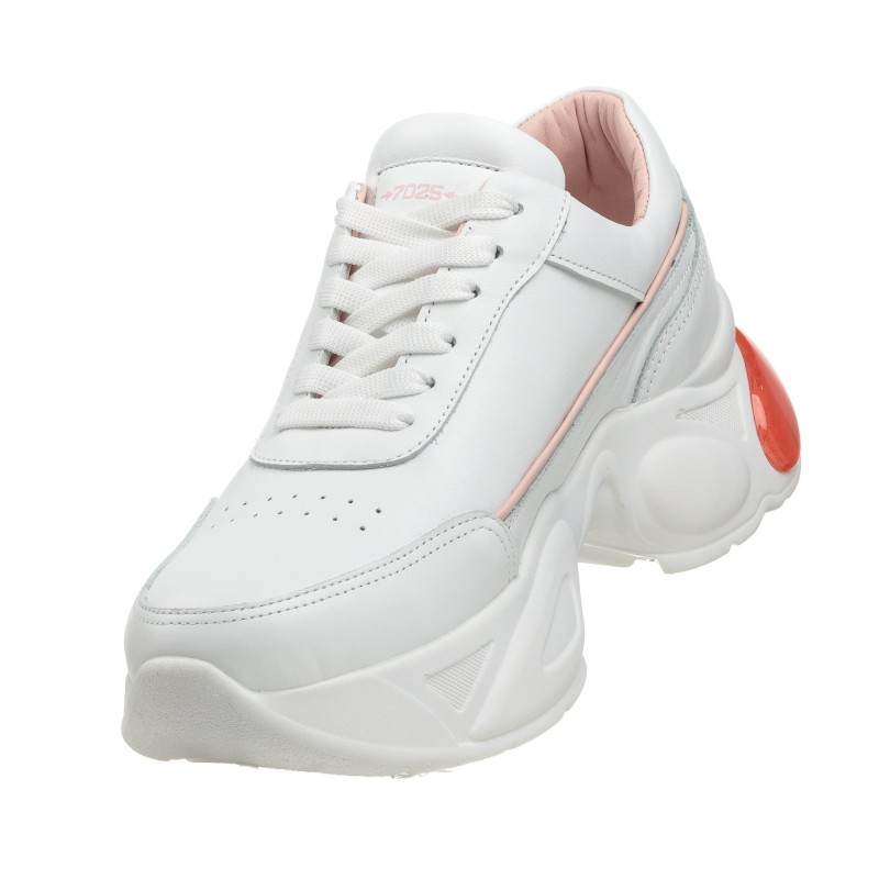 Кросівки шкіряні білі на високій підошві Ditas