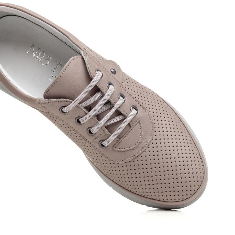 Туфлі шкіряні бежеві з перфорацією Trio