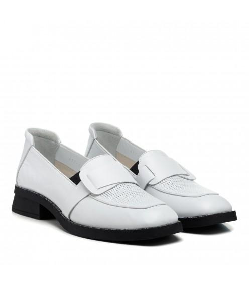Туфлі - лофери жіночі шкіряні білі Guero