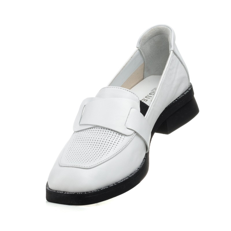 Туфлі лофери жіночі шкіряні білі Guero