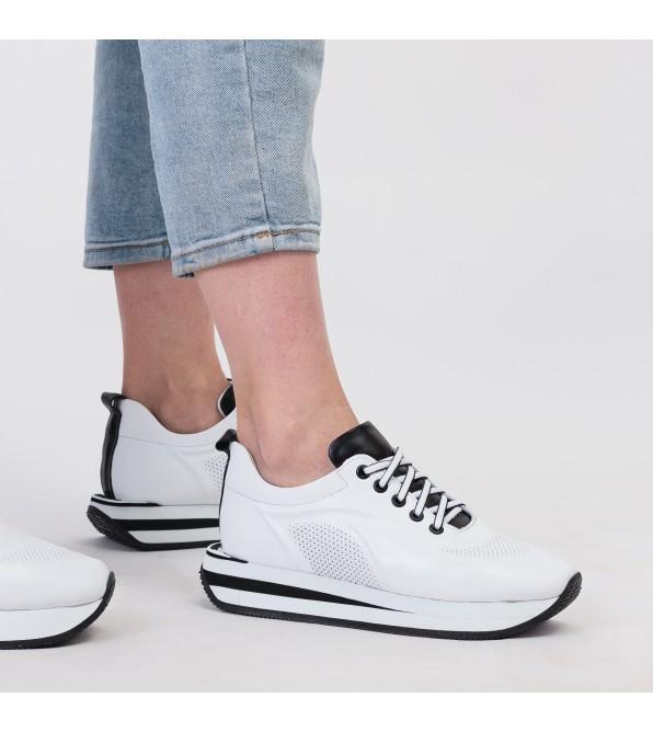 Кросівки жіночі шкіряні білі на високій підошві Evromoda