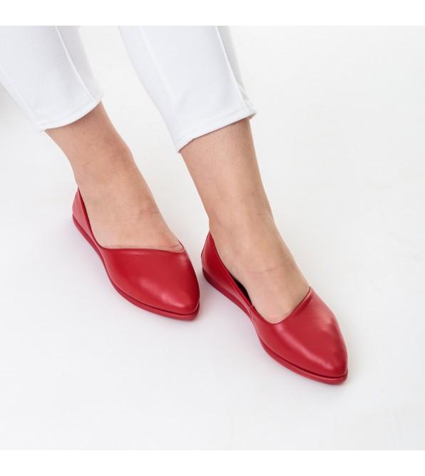 Балетки шкіряні на плоскій підошві червоні Gossi