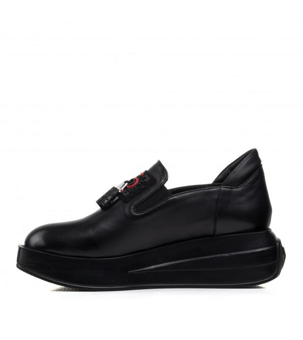 Туфлі жіночі чорні шкіряні на платформі Guero
