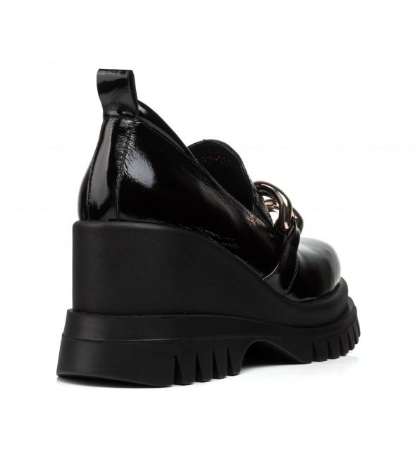 Туфлі жіночі шкіряні чорні на танкетці Guero