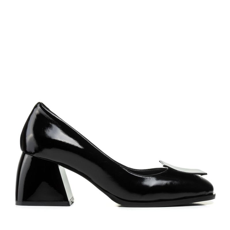 Туфлі лаковані на широкому каблуку чорні  Evromoda