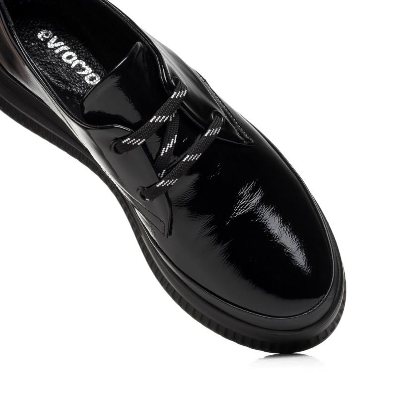 Туфлі жіночі лаковані на платформі на шнурках  EVRROMODA