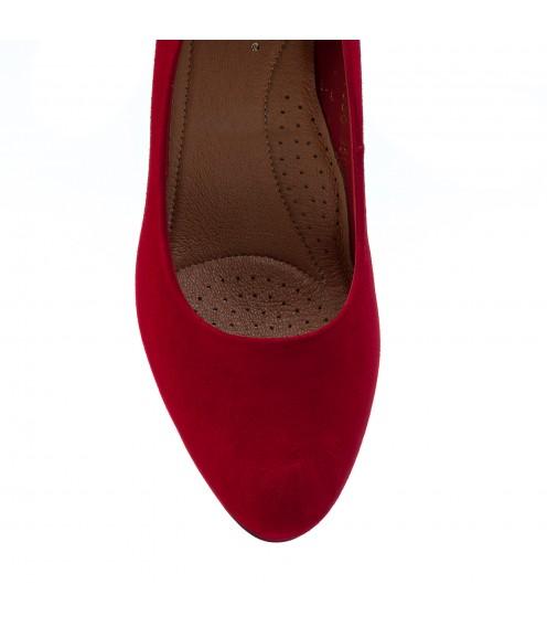 Туфлі жіночі замшеві червоні на зручному каблуку  Visconi