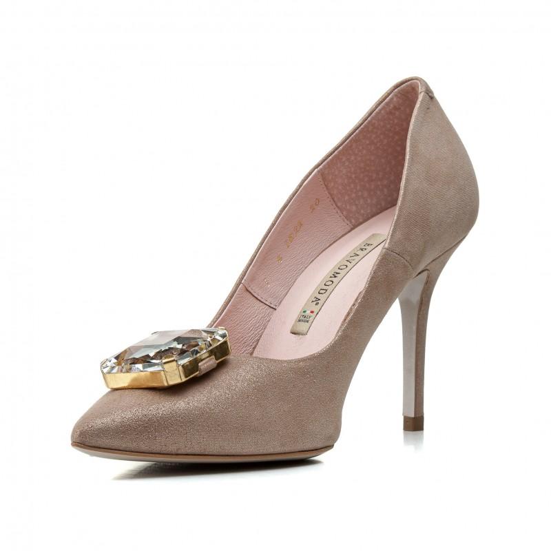 Туфлі жіночі замшеві бежеві на шпильці Bravo Moda
