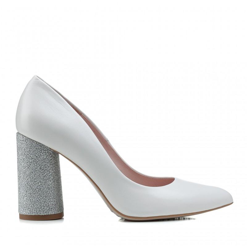 Туфлі жіночі шкіряні молочні на високому каблуку Bravo Moda