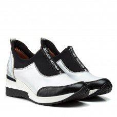 Кросівки жіночі шкіряні білі на танкетціAGA