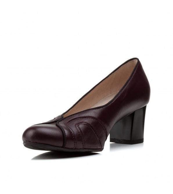Туфлі жіночі шкіряні бордові на зручному каблуку