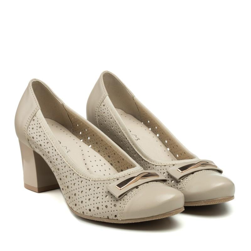Туфлі шкіряні бежеві з перфорацією Pimo