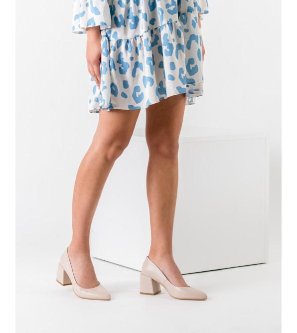 Туфлі жіночі шкіряні бежеві лаковані на товстому каблуку Nivelle