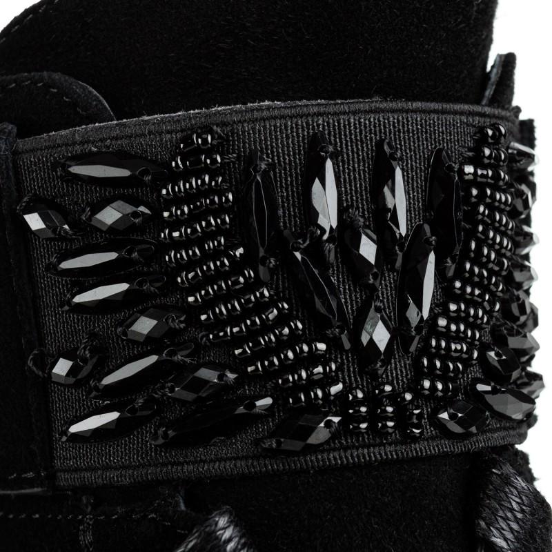 Черевики жіночі замшеві на низькому каблуці Geronea