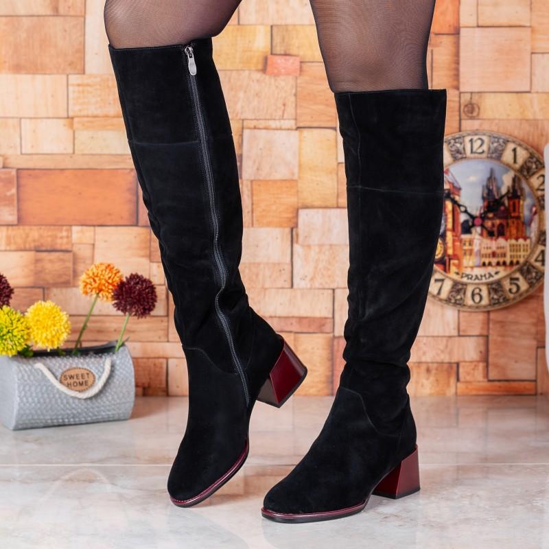 Чоботи жіночі замшеві чорні з бордовим каблуком Lady Marcia