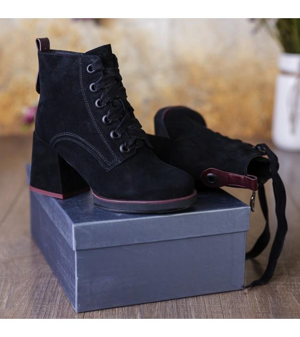 Ботильйони жіночі замшеві чорні зимові на товстому каблуці Vidorcci