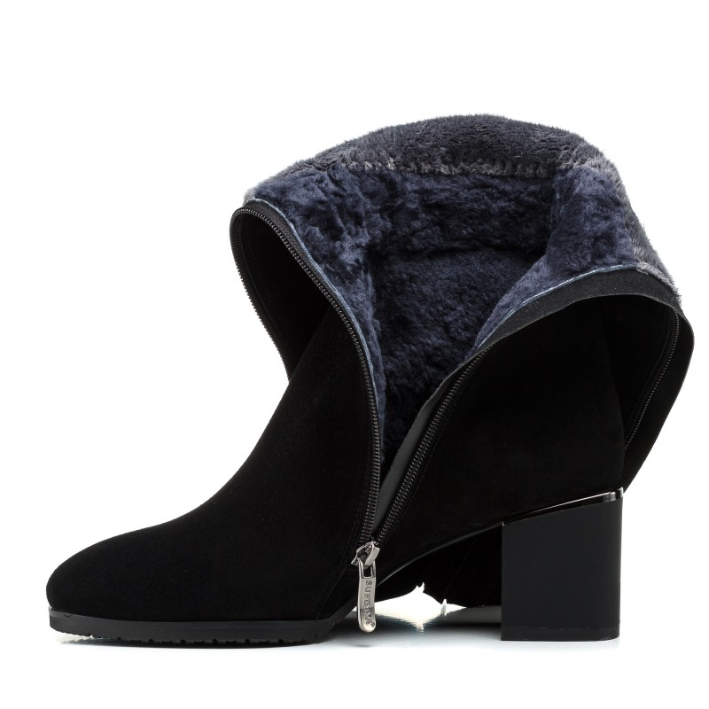 Чоботи жіночі замшеві чорні зимові Sufinna