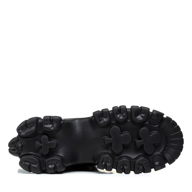 Черевики жіночі чорні на масивній підошві Lifexpert