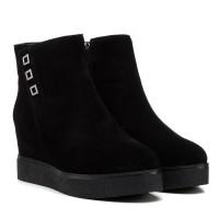 Ботинки женские замшевые черные на танкетке Lifexpert