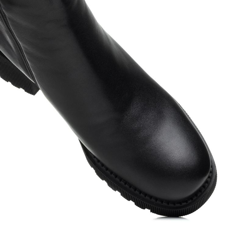 Черевики шкіряні на зручному каблуку чорні Molka