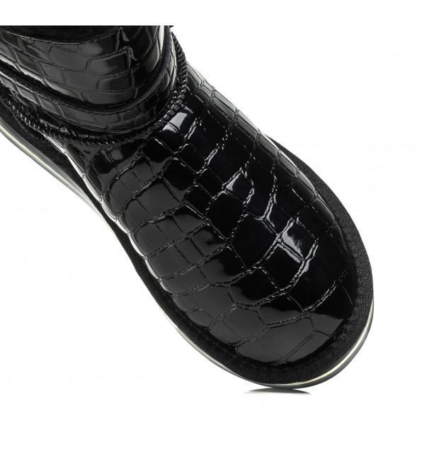 Угі лаковані чорні стьогані з декоративною кишенькою