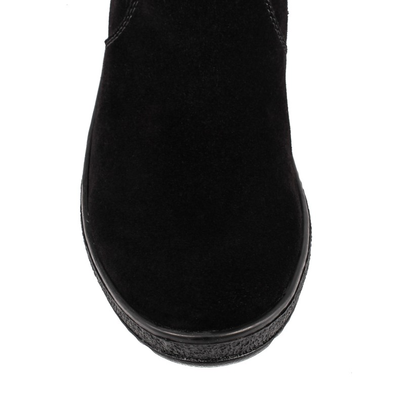 Жіночі замшеві чоботи на платформі з пряжкою чорні